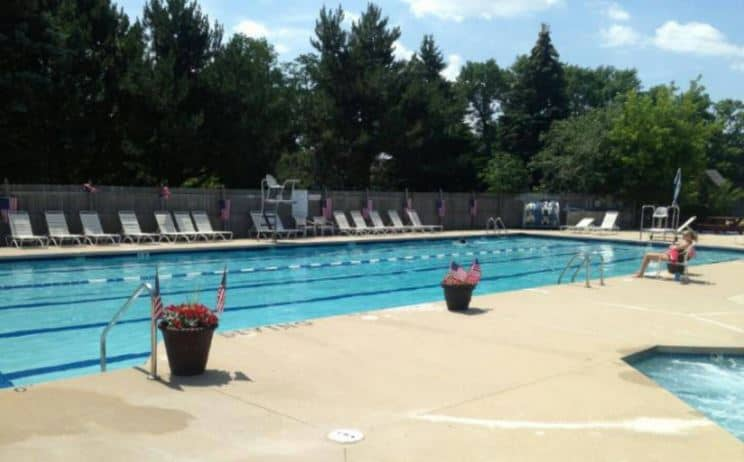 Elite River Glen Outdoor Pool