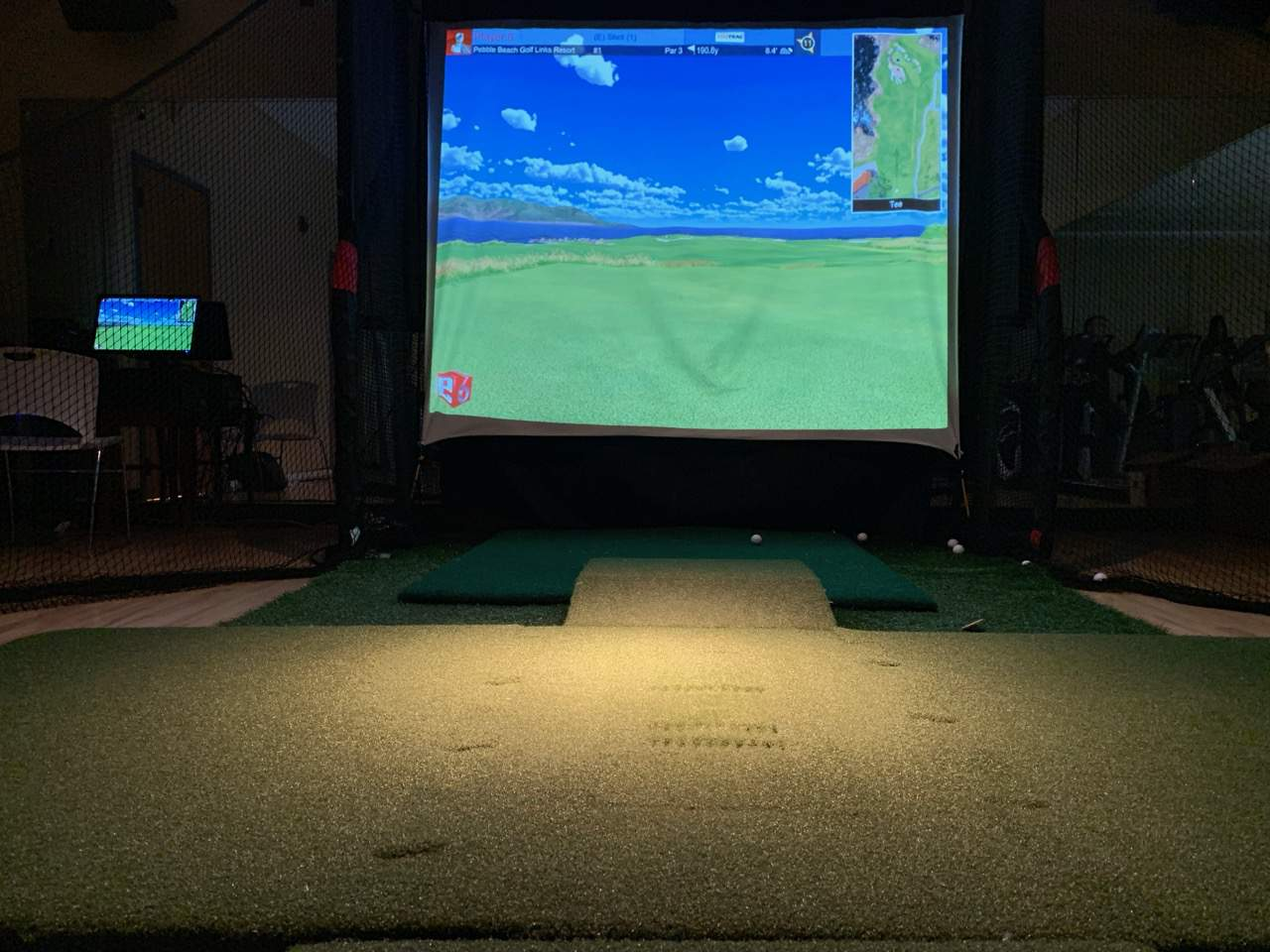 golf simulator at Elite Sports Clubs