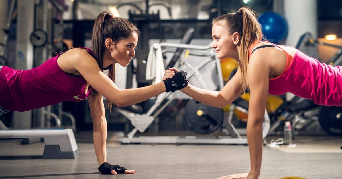The Pros & Cons of Exercising with a Friend